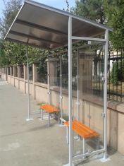 Statie de autobuz cu pereti laterali din sticla